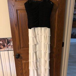 BCBG SIZE 8 strapless gown